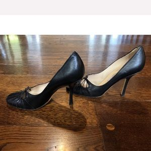 Jimmy Choo Shoes - EUC Jimmy Choo Black Rounded Toe Leather Heel Pump